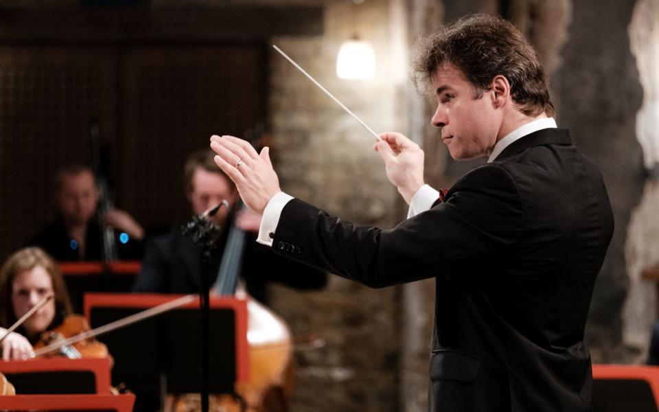 Conductor Jakub Hrůša on stage