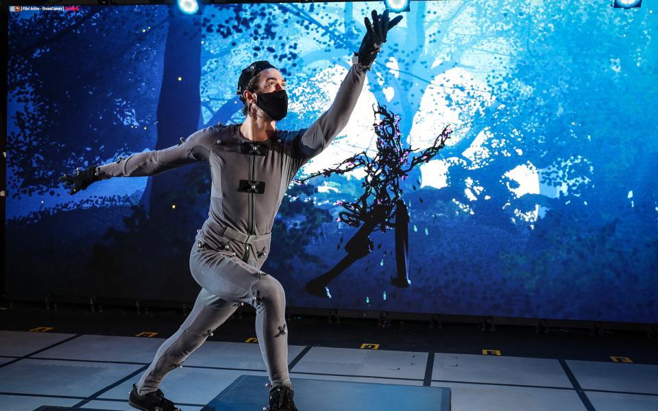 Jamie Morgan performing in Dream